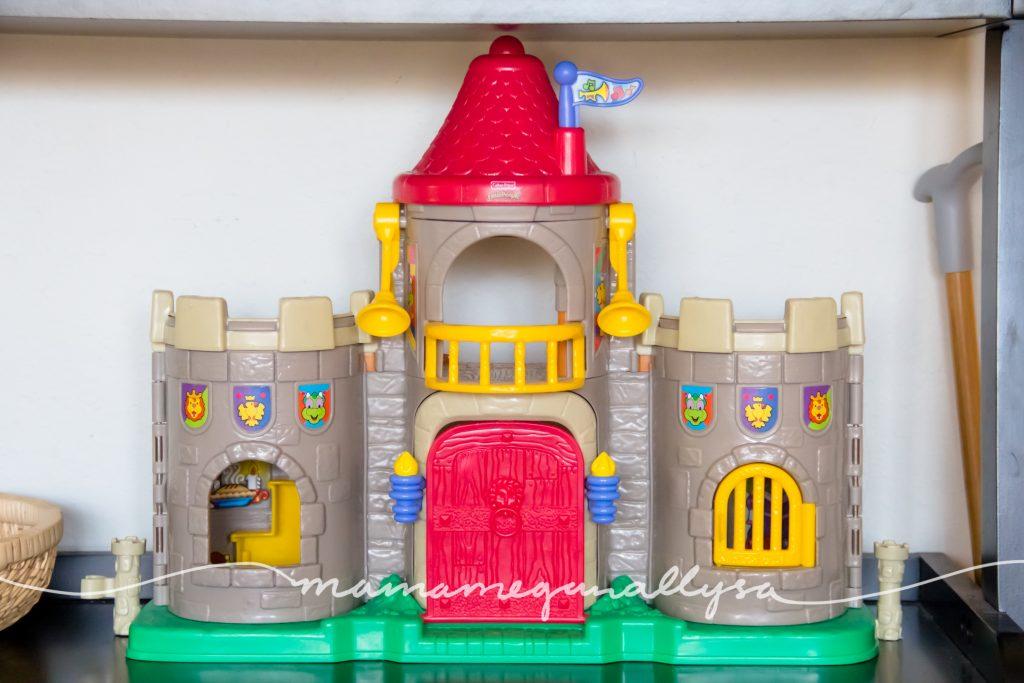 a classic little people castle