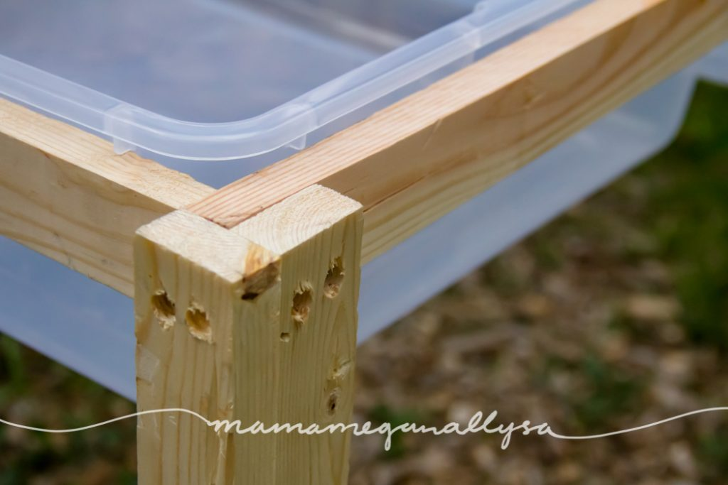 close up of the how the legs are attached to the frame
