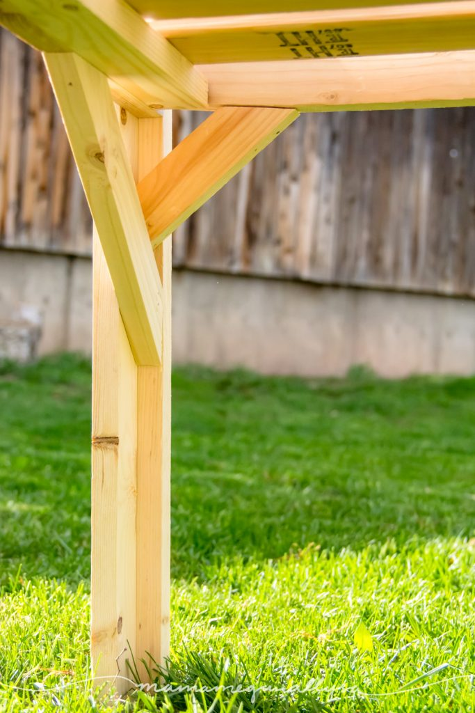 under shot of the table legs with the angled pieces to give a better idea how they are attached