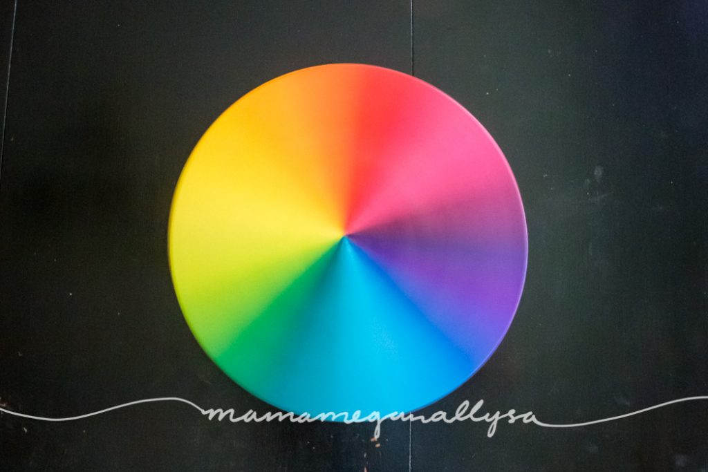 rainbow color wheel lazy susan spinning to create the blur between colors
