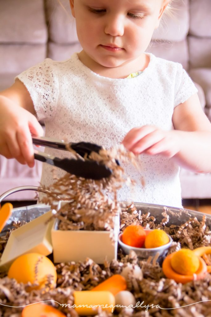 tongs are a great fine motor tool for your little and helps to build the muscles in their hands to get them ready for writing!