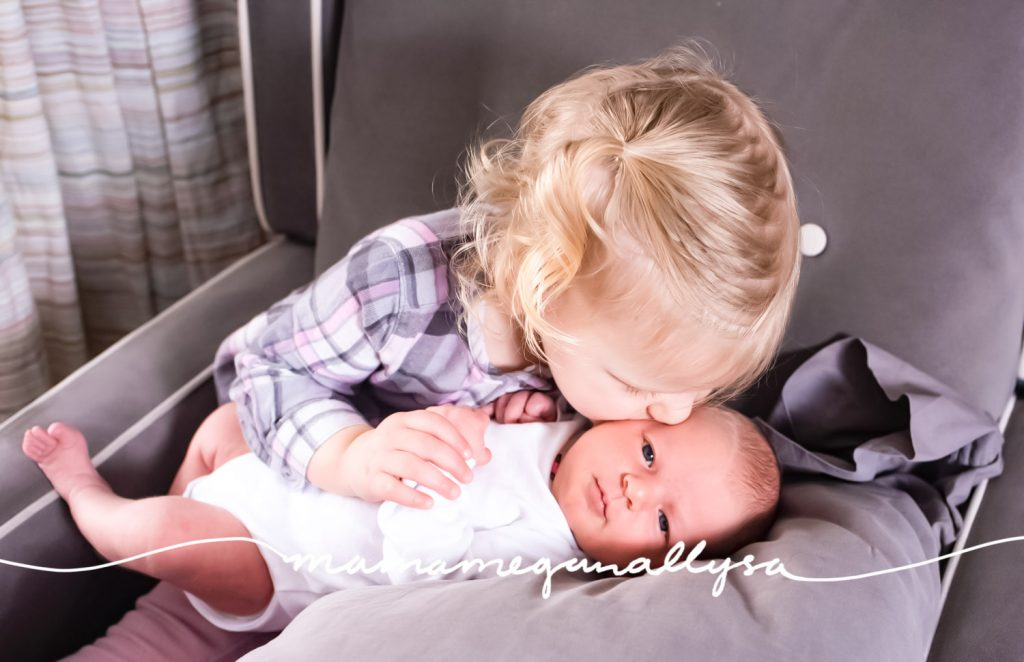 my 0-3 baby update covers the major firsts from Beans life. Like photo shoots, pandemics and holidays!