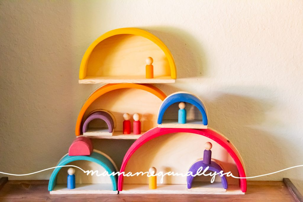 You can use your DIY Semicircles and Planks  to create little caves for your peg people to live in!